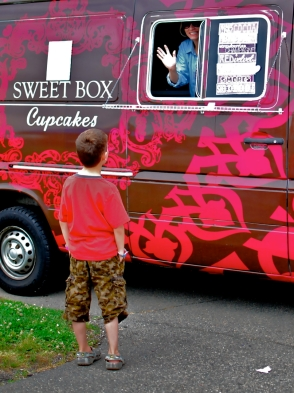 The Champagne Strawberry cupcake was my personal favorite from this truck.