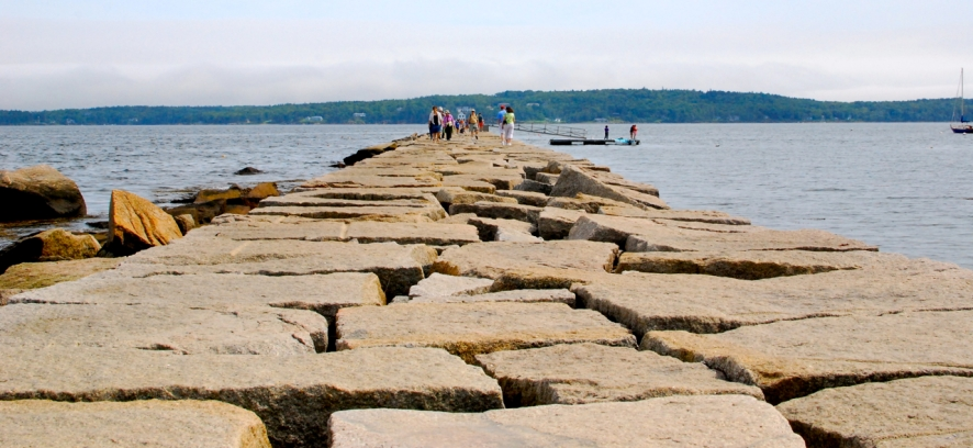 Rockland Breakwater: a 7/8 of a mile walk to the lighthouse