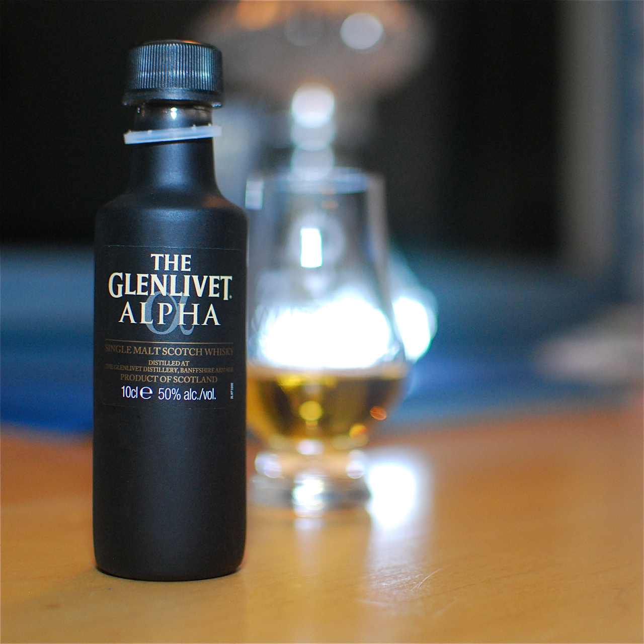 Whisky Review – The Glenlivet Alpha – It\'s just the booze dancing…