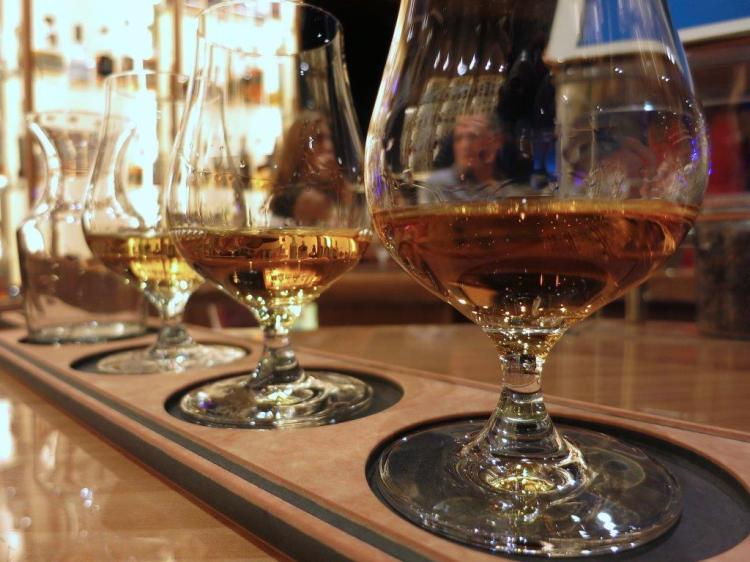 lagavulin-talisker-caol-ila-flight-at-notes